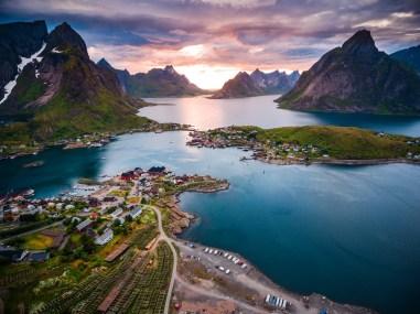 17. Norveška