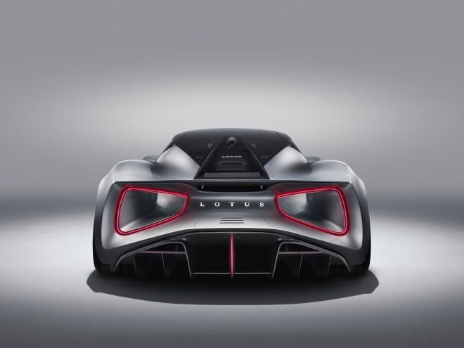 Lotus Evija - mogočen zadek z zračnim tunelom.