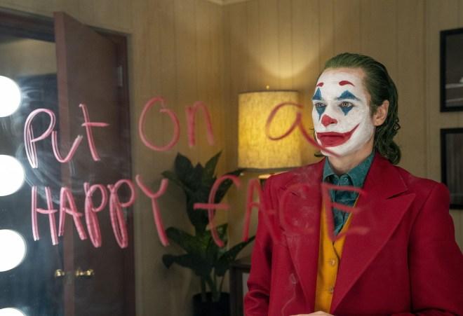 Smeh Jokerja temelji na ljudeh, ki trpijo za patološkim smehom.