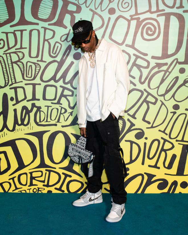 Travis Scott v supergah Dior x Air Jordan 1 High OG