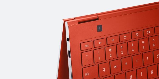 Kamera nad tipkovnico je namenjen uporabi takrat, ko je Galaxy Chromebook v tabličnem načinu