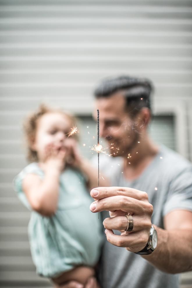 Močan moški je preprost, potrpežljiv ter odličen partner in oče.