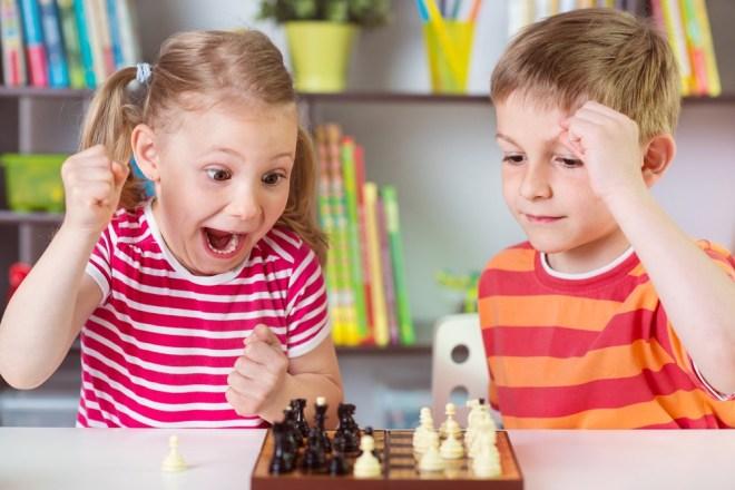 Raziskave kažejo, da se posamezniki med igranjem iger učijo do trikrat hitreje.