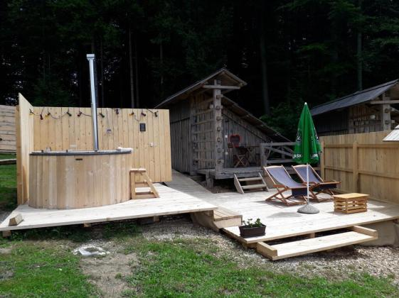 Alp Glamping Village v Radovljici (Foto: Booking.com)