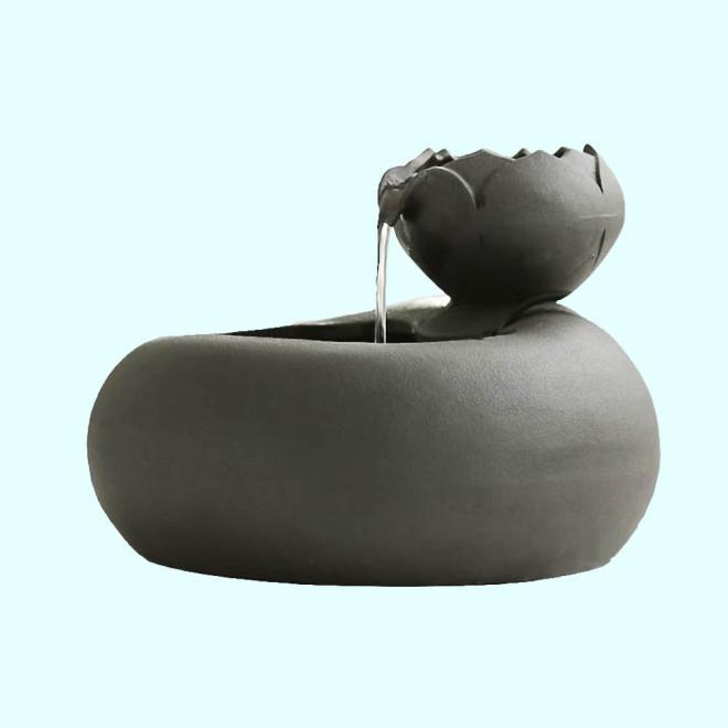 Keramični vodnjak s svežo filtrirano vodo