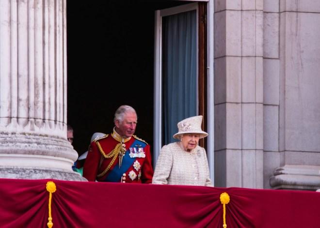 Menjava prestola v Veliki Britaniji.