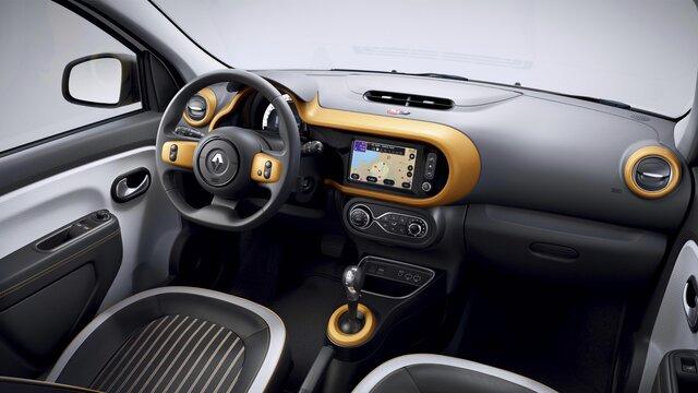 V notranjost mnogo izboljšav. Ta avto nikoli ni bil dolgočasen!