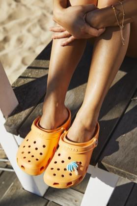 Crocs_Classic_Clogs_beach