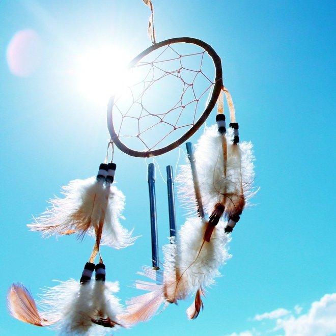 Vse, kar počne Indijanec, je v krogu, in to zato, ker moč sveta vedno deluje v krogih.