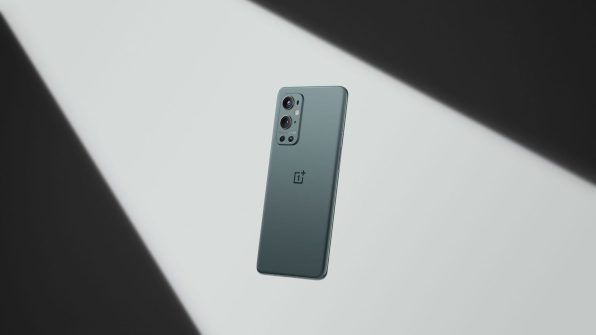 OnePlus-9-pro-pine-green-1-scaled
