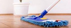 mopp som vasker gulv