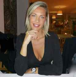 laura d'amore (49)