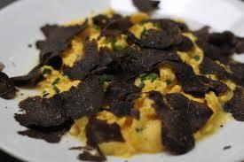 Scrambred egges truffle eat