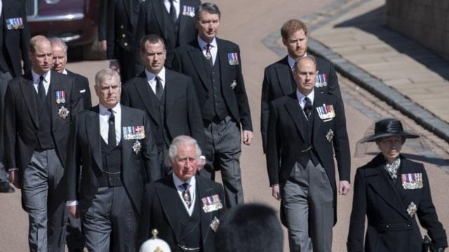 royal-family:-non-solo-harry-e-meghan,-ecco-chi-lavora-tra-gli-eredi-della-regina-elisabetta