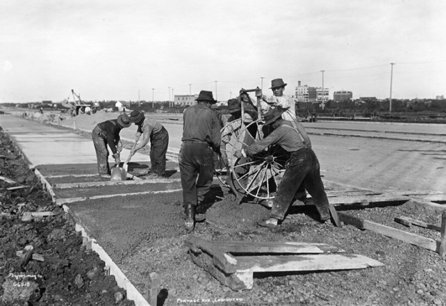 Portage Avenue (Kingsway) paving, 1914. City of Edmonton Archives, EA-10-2139. Photographer: Byron-May Company.
