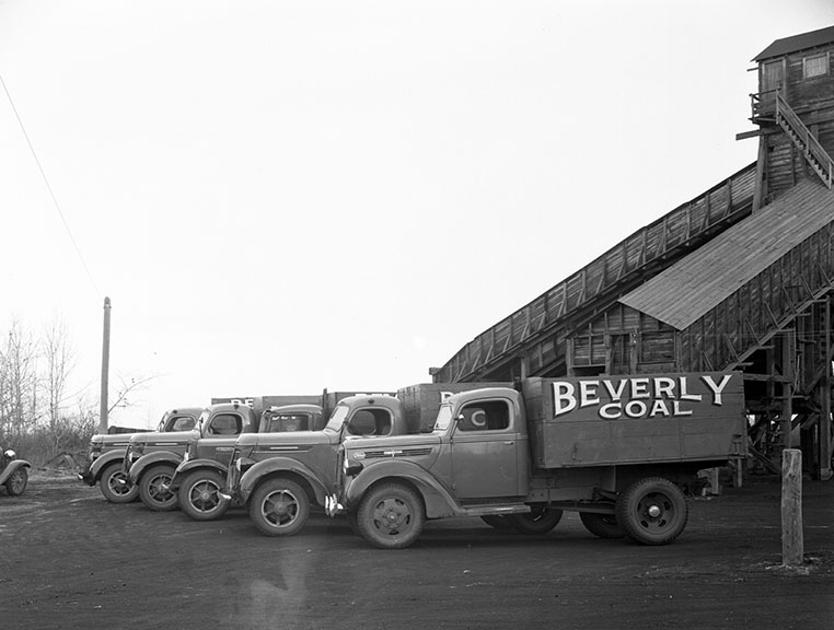 Coal - Beverly Mine Tipple & Truck c. 1938. Image courtesy of the City of Edmonton Archives EA-160-482.