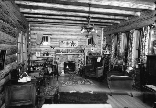 Field House - living room interior, December 1934. Image courtesy of the City of Edmonton Archives EA-160-811.