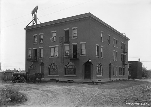 Strand Hotel, 1919. Glenbow Archives, NC-6-5457.