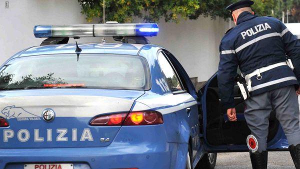 Domodossola, si schianta con lo scooter contro un'auto e scappa:  rintracciato dalla polizia