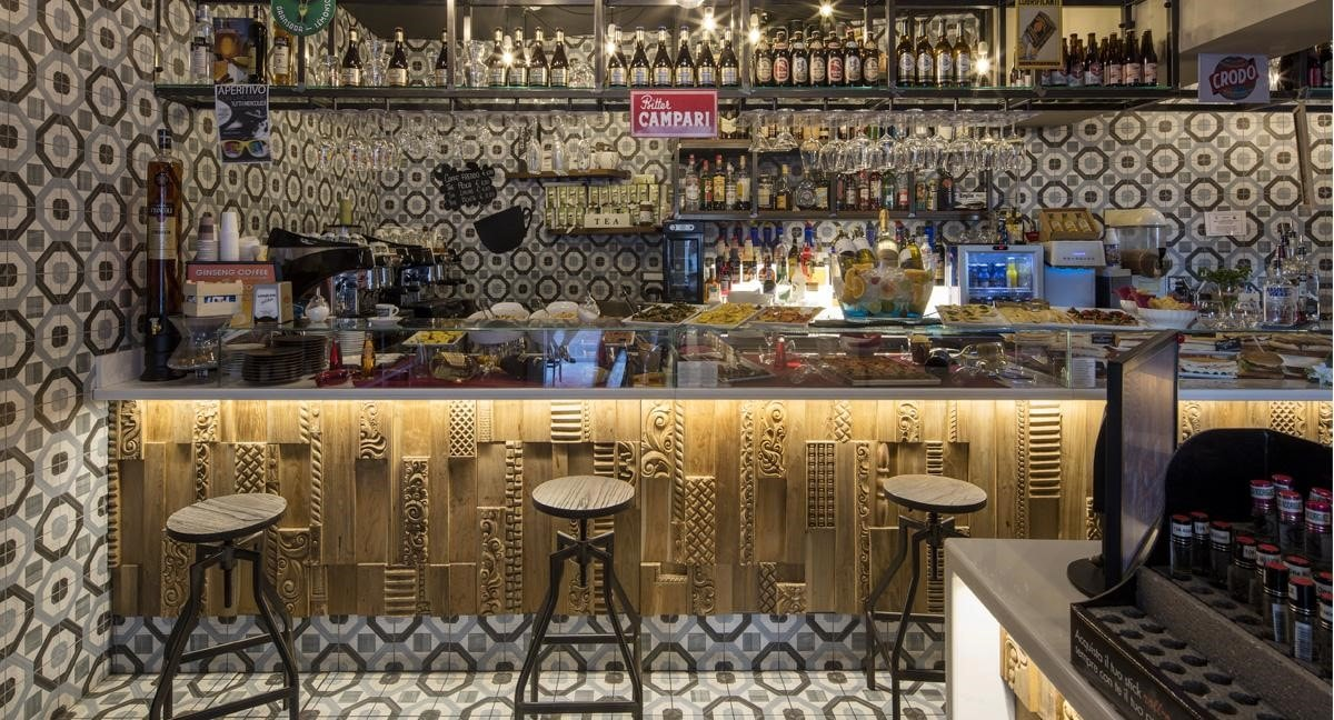Progettazione locale, impianti, fornitura, direzione lavori,restyling bar. Officine 900 Detta Le Nuove Tendenze Per L Arredo Bar Su Misura