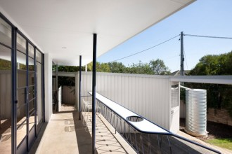 Joanna Nelson Architects, Boomerang House photo: Dianna Snape