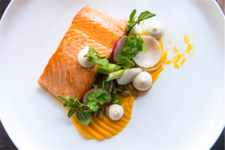 baked-ocean-trout-hollandaise-spring-vegetables
