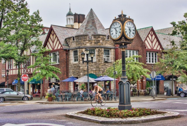 A commercial district in Scarsdale, Westchester County, NY. Credit: June Marie, Flickr
