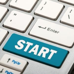 """Keyboard with text """"start"""""""