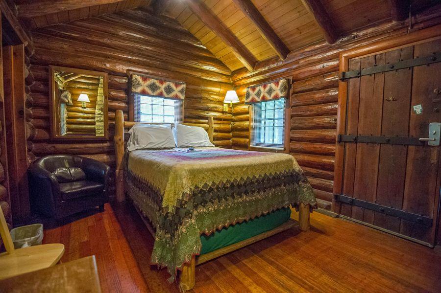 White Pines Inn  Oregon Illinois