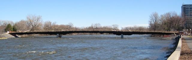 Photo of Rideau River bridge construction