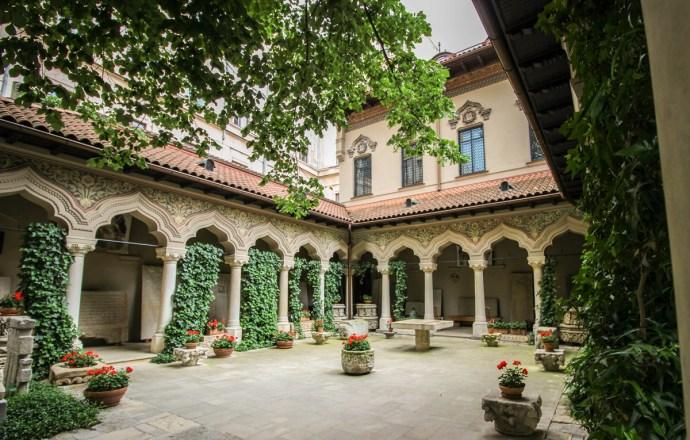 Bucharest Old Town Photo Tour, Stavropoleos Monastery