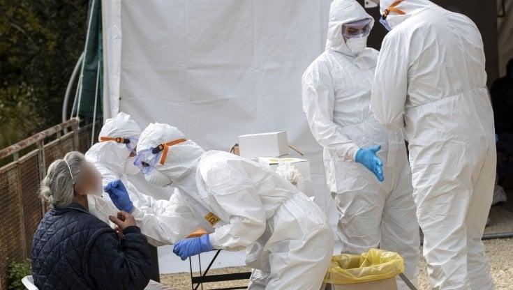 coronavirus,-il-bollettino-di-oggi-19-dicembre:-16308-nuovi-casi-con-176.185-tamponi-e-553-decessi