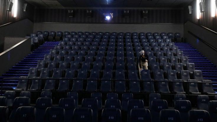 ecco-come-franceschini-spera-di-riaprire-cinema-e-teatri-il-27-marzo