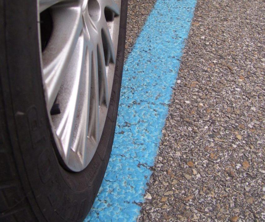 roseto,-i-parcheggi-con-le-strisce-blu-restano-gratuiti