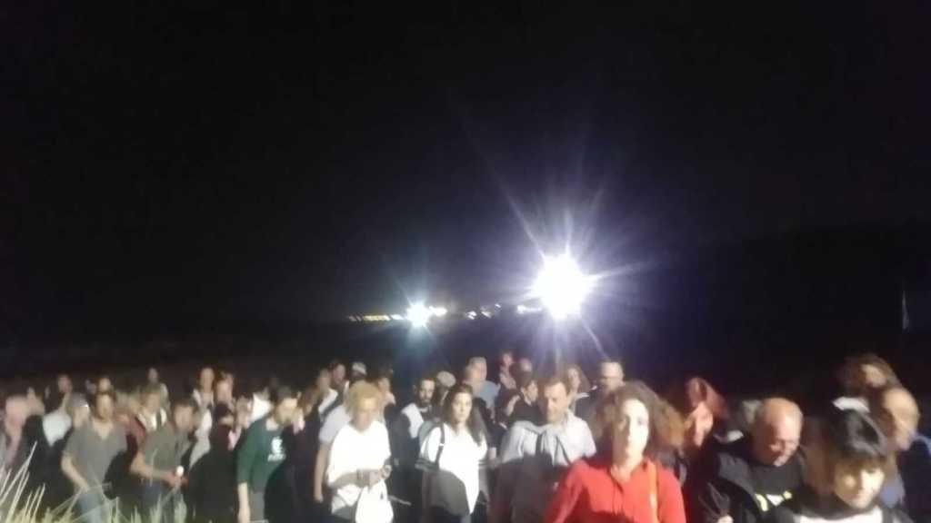 domani-alla-riserva-borsacchio:-notturna-con-luna-piena-sulla-spiaggia-e-telescopi-per-osservare-le-stelle