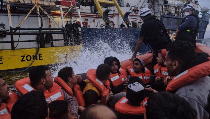 migranti,-128-persone-a-bordo-di-due-gommoni-alla-deriva
