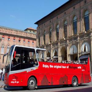City Red Bus  Lemozionante city tour a bordo del Red Bus