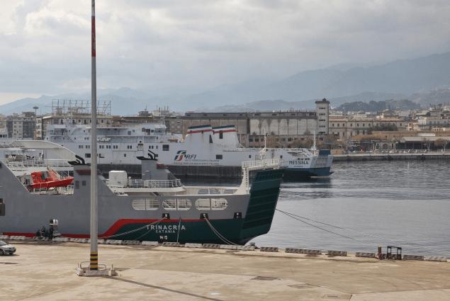 collegamenti-nello-stretto-di-messina,-nuovo-traghetto-di-rete-ferroviaria-italiana