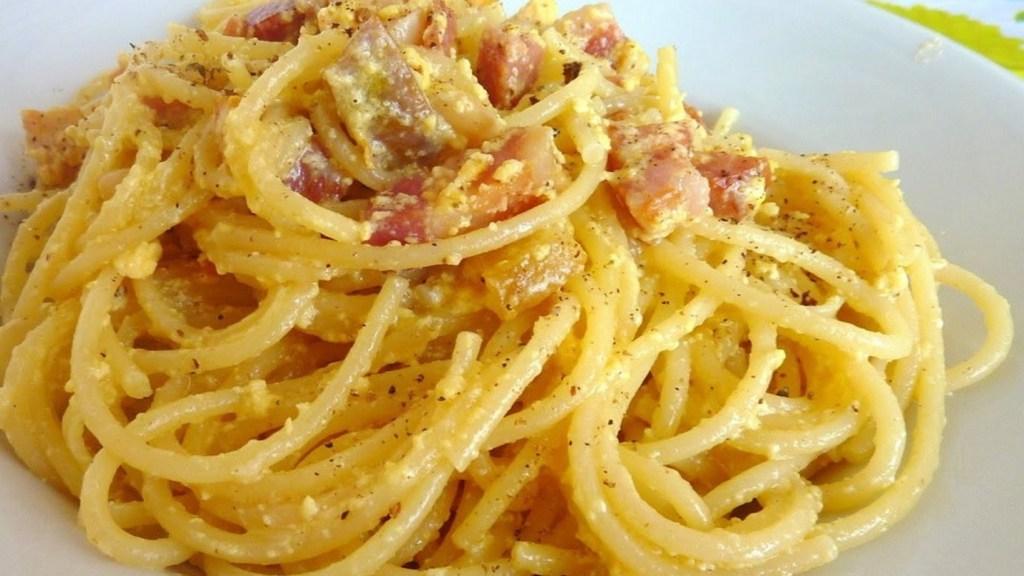 """la-pandemia-non-ferma-il-""""carbonara-day"""":-tutti-in-rete-per-la-spaghettata-social"""