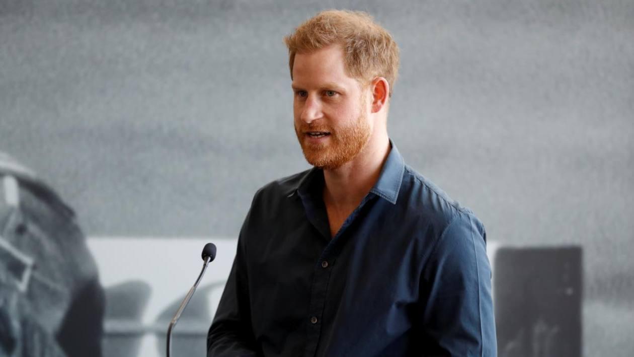 royal-family,-harry-lascia-la-regina?-assenta-anche-per-il-grande-giorno