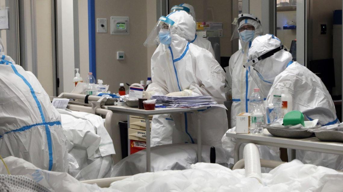 """covid,-cinque-infermiere-contro-il-presidente-dell'ordine-di-torino:-""""indegno-ricatto-l'obbligo-di-vaccinarsi"""""""