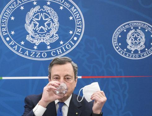 addio-mascherine-all'aperto:-il-governo-chiede-l'ok-al-cts