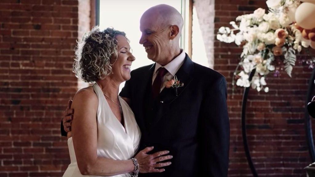 malato-di-alzheimer-fa-una-proposta-alla-moglie.-dopo-vent'anni-lo-fanno-ancora