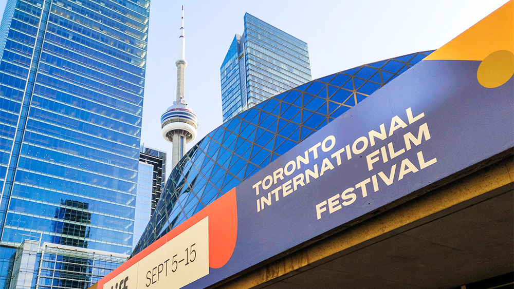 canada-to-allow-fully-vaccinated-americans-to-enter-starting-august-9,-easing-way-for-toronto-film-festgoers