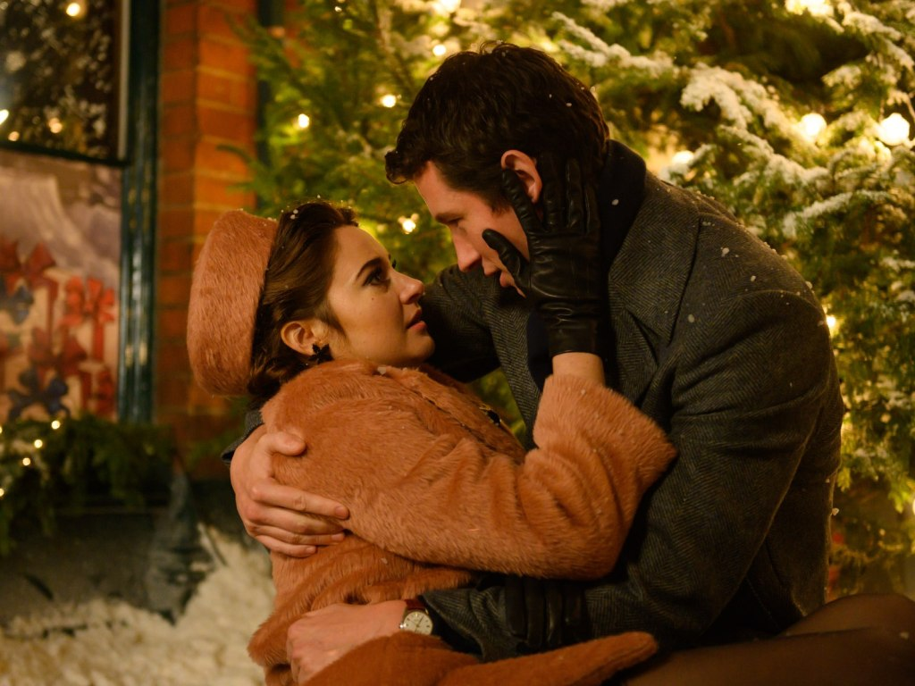 'the-last-letter-from-your-lover'-review:-shailene-woodley-has-an-affair-to-remember,-felicity-jones-gets-one-to-forget