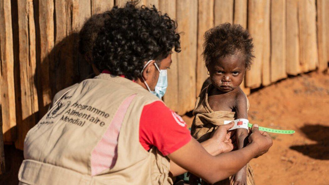 in-madagascar-la-peggiore-siccita-degli-ultimi-40-anni-sta-provocando-una-crisi-umanitaria
