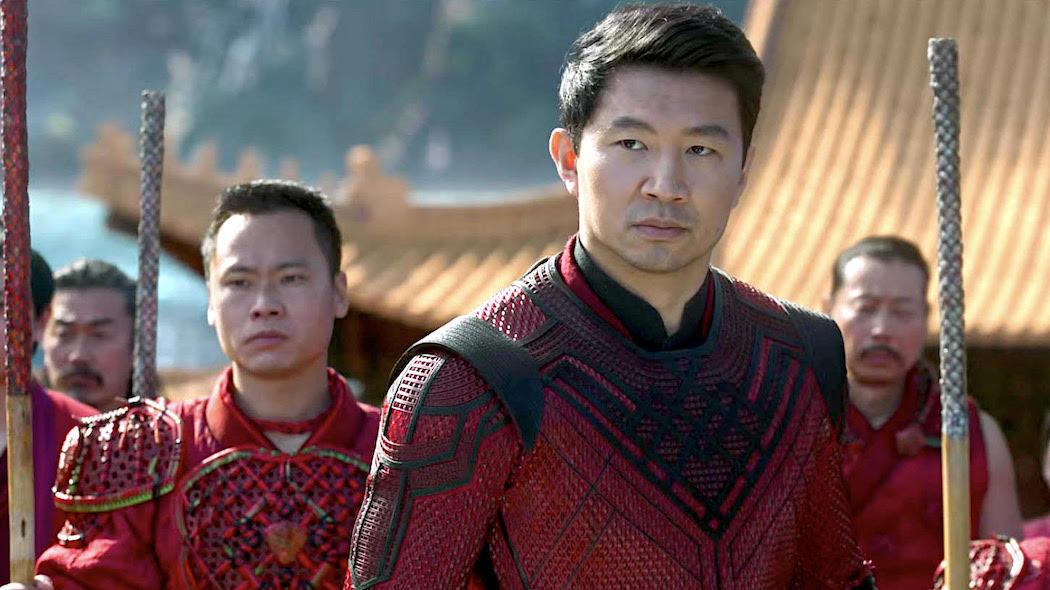shang-chi-e-la-leggenda-dei-dieci-anelli-non-sembra-un-film-marvel-(e-non-e-un-bene)