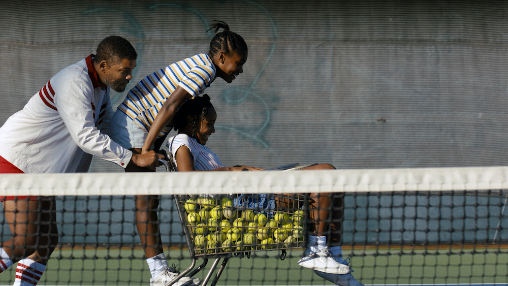 'king-richard'-review:-will-smith-and-aunjanue-ellis-inspire-as-venus-and-serena-williams'-eye-on-the-prize-parents