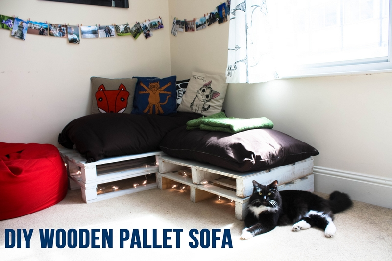DIY wooden pallet sofa