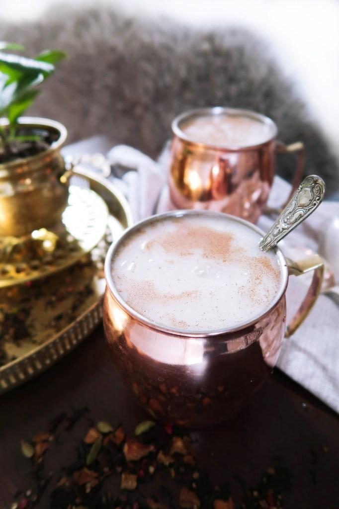 Milky tea cocktail with rum & cinnamon